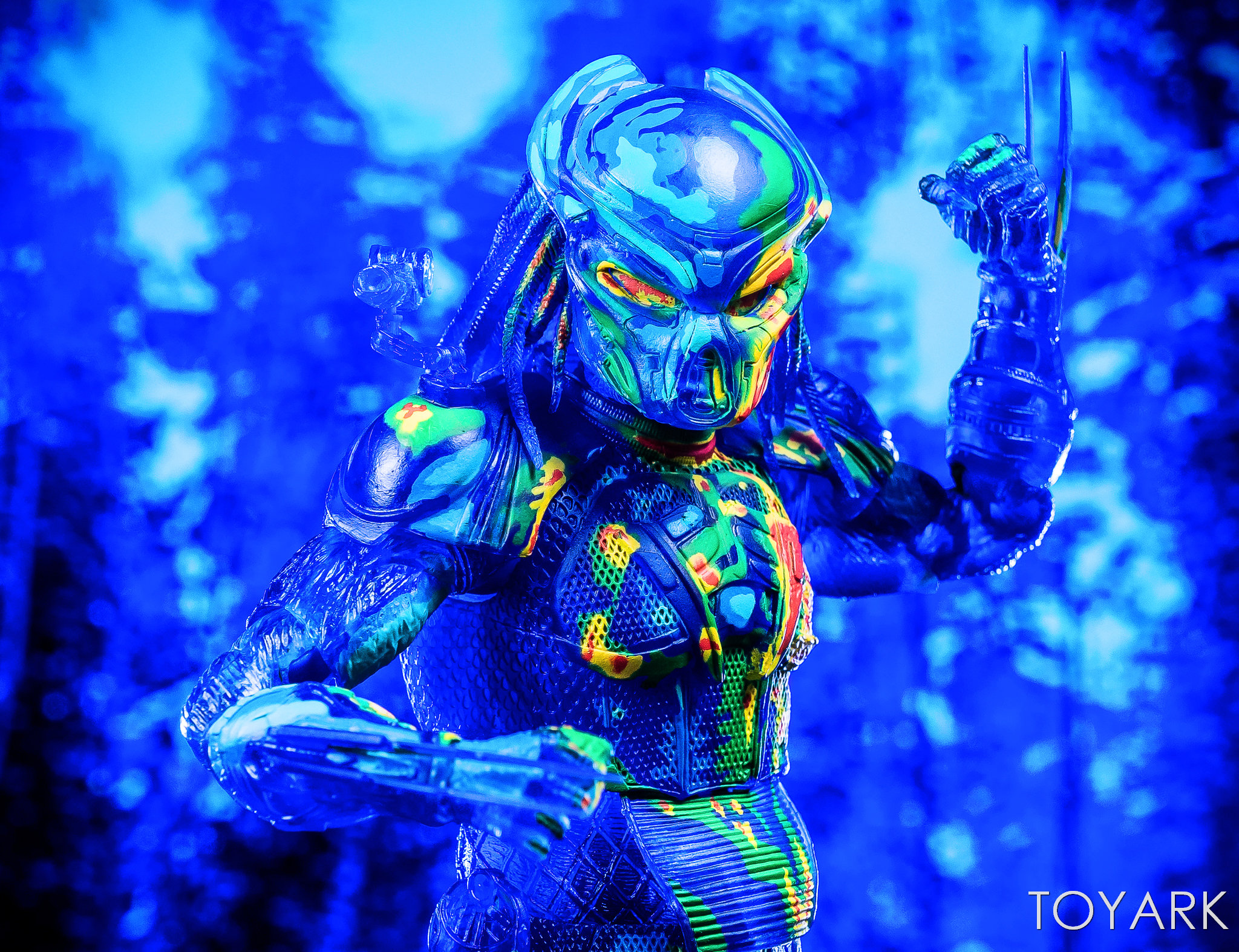 https://news.toyark.com/wp-content/uploads/sites/4/2018/12/NECA-Predator-2018-Thermal-Vision-Predator-040.jpg