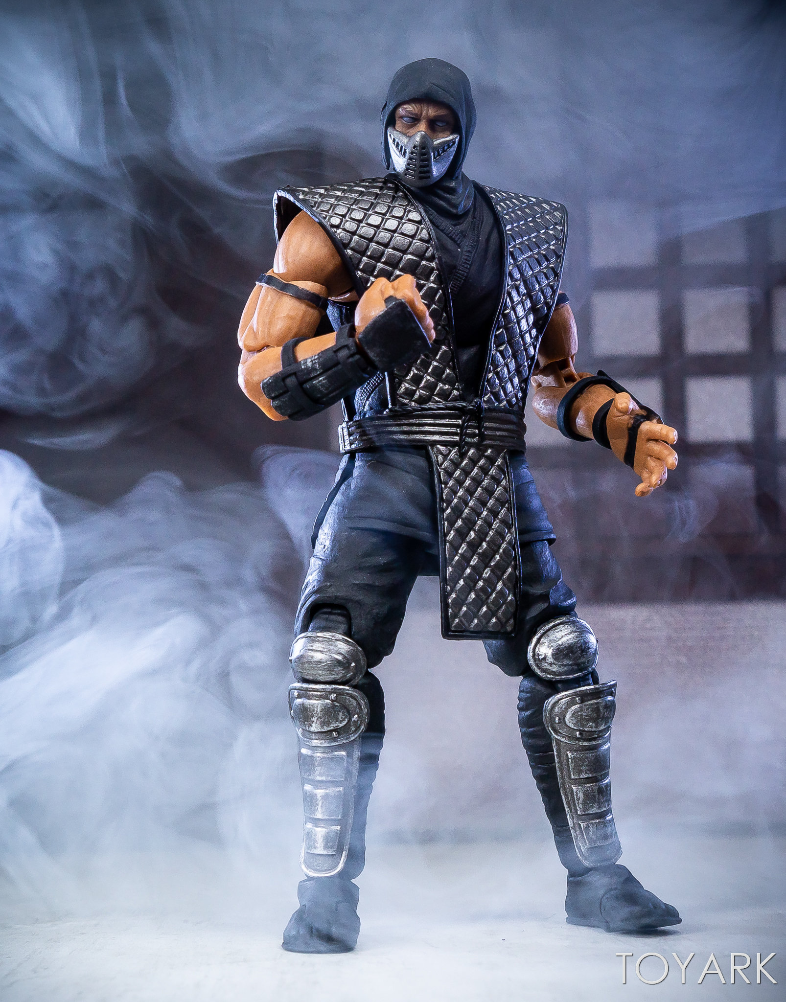 https://news.toyark.com/wp-content/uploads/sites/4/2018/12/Storm-NYCC-18-Mortal-Kombat-Figures-030.jpg