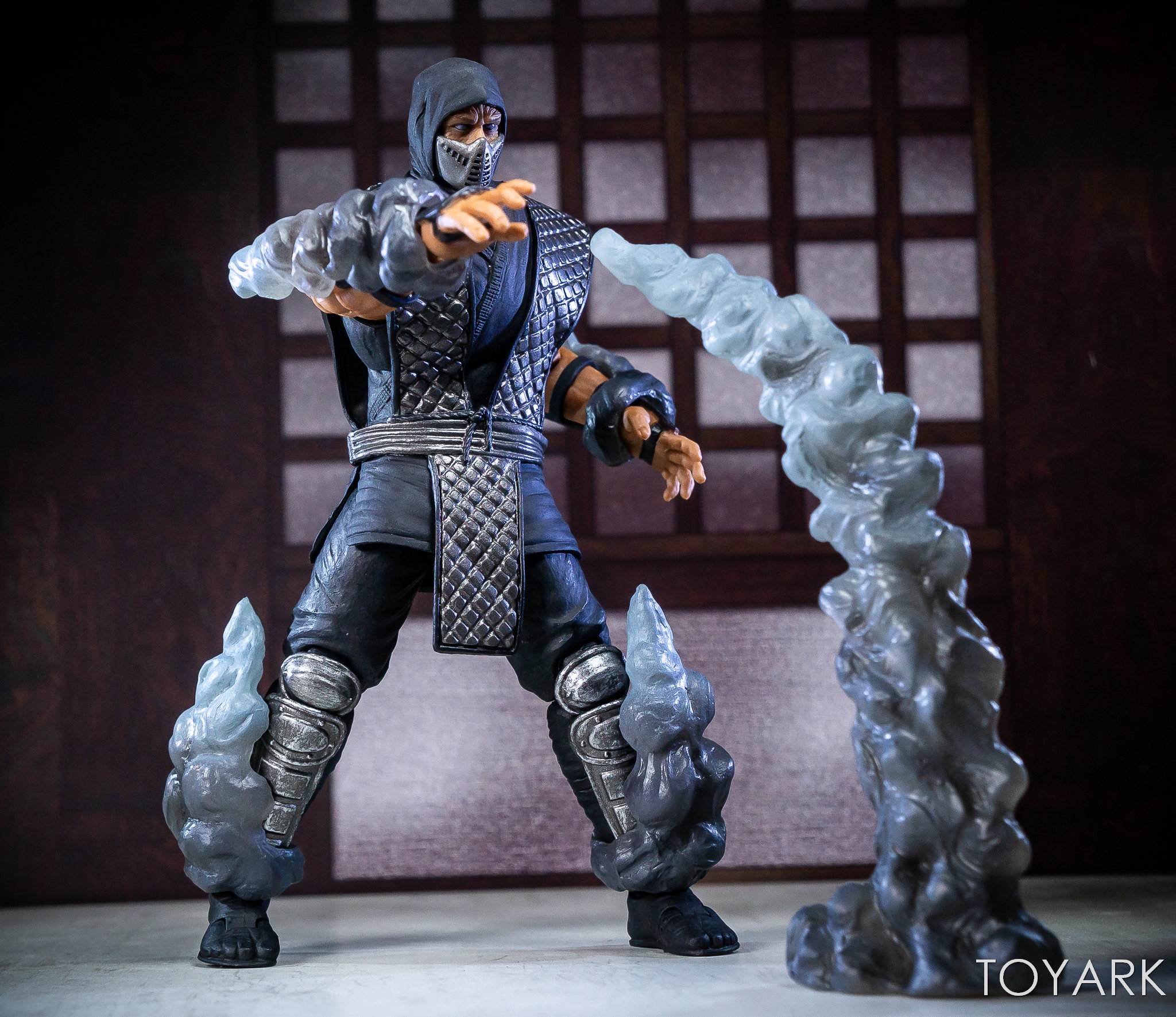 https://news.toyark.com/wp-content/uploads/sites/4/2018/12/Storm-NYCC-18-Mortal-Kombat-Figures-034.jpg
