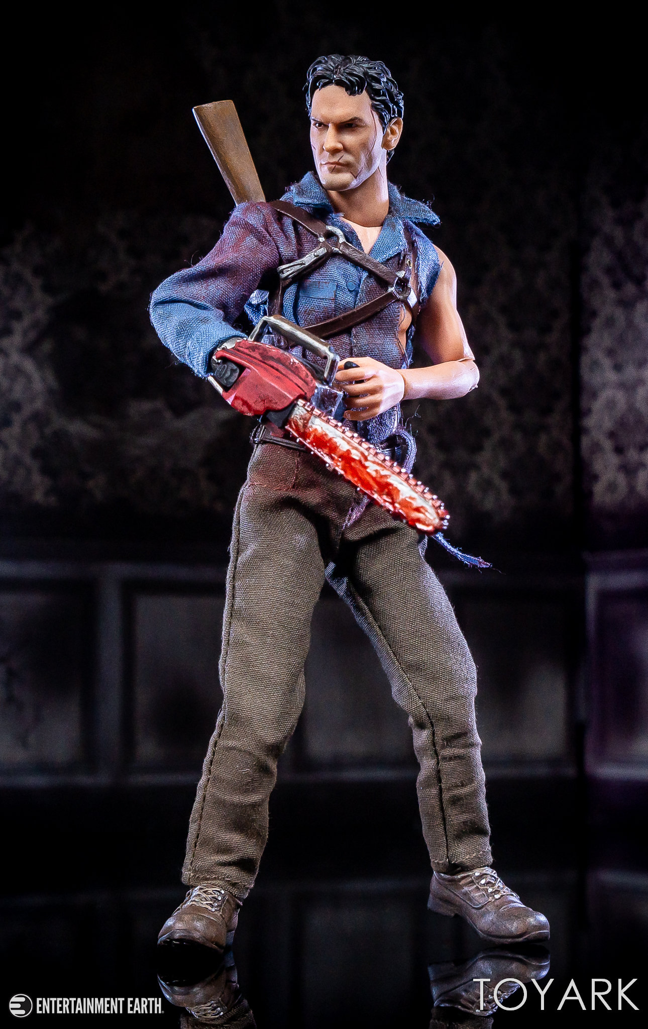 https://news.toyark.com/wp-content/uploads/sites/4/2019/01/Mezco-One12-Evil-Dead-2-Ash-014.jpg
