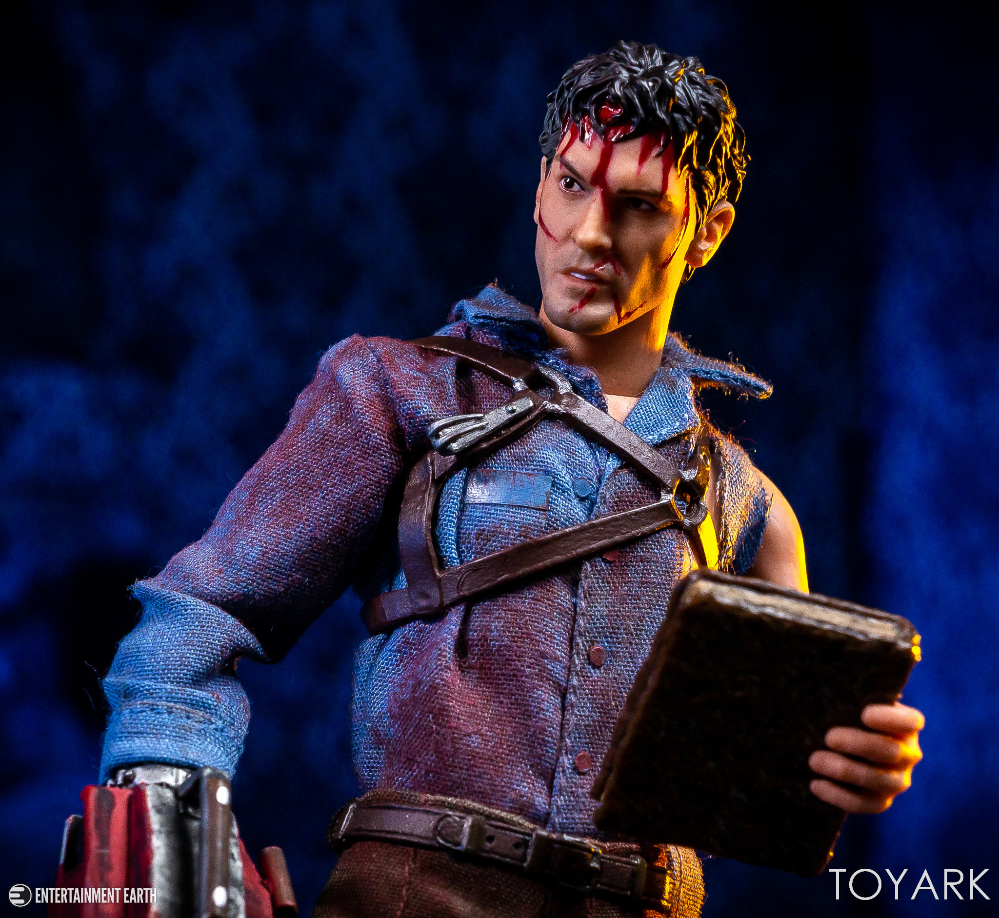 https://news.toyark.com/wp-content/uploads/sites/4/2019/01/Mezco-One12-Evil-Dead-2-Ash-025.jpg
