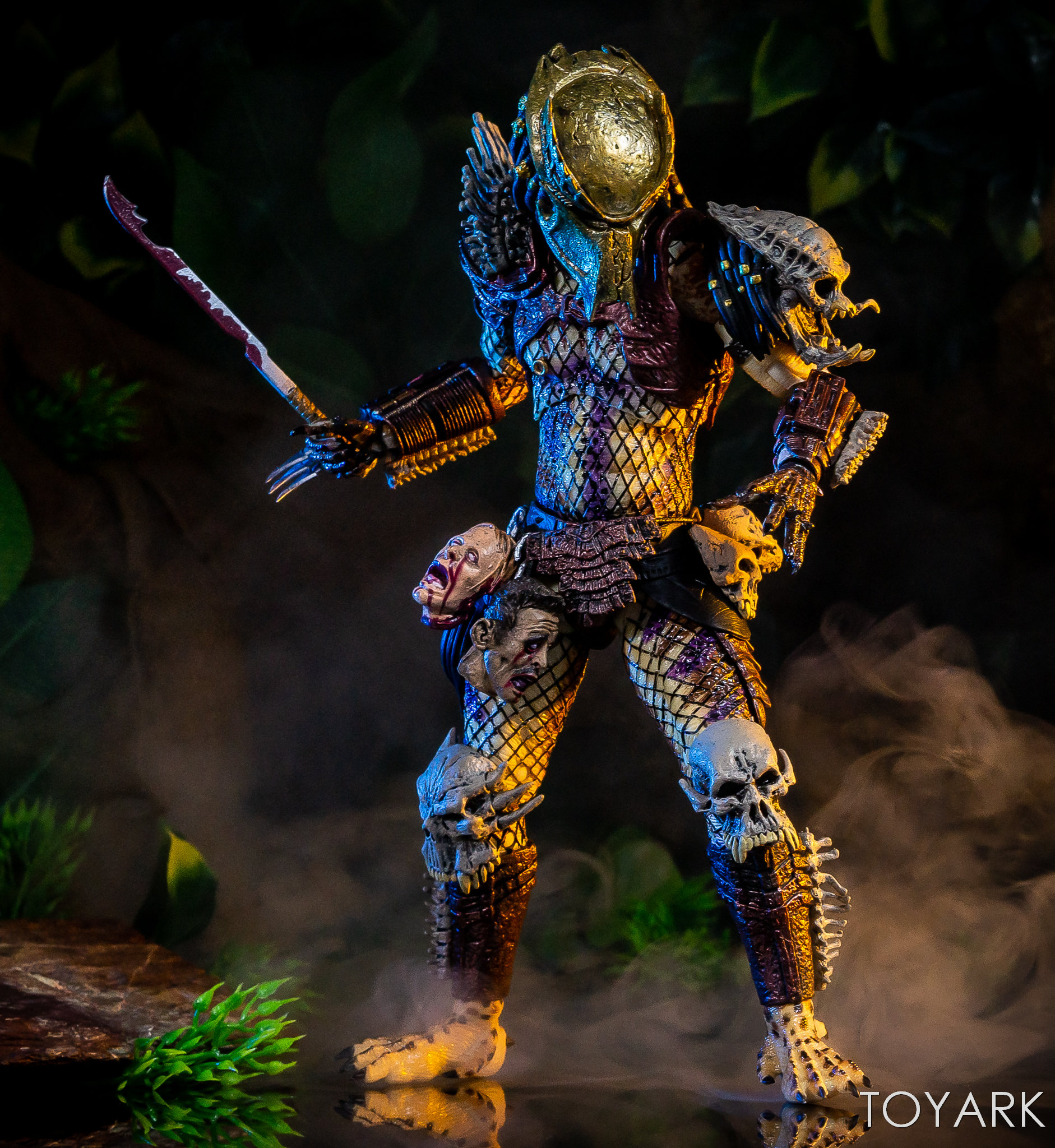https://news.toyark.com/wp-content/uploads/sites/4/2019/01/NECA-Bad-Blood-vs-Enforcer-036.jpg