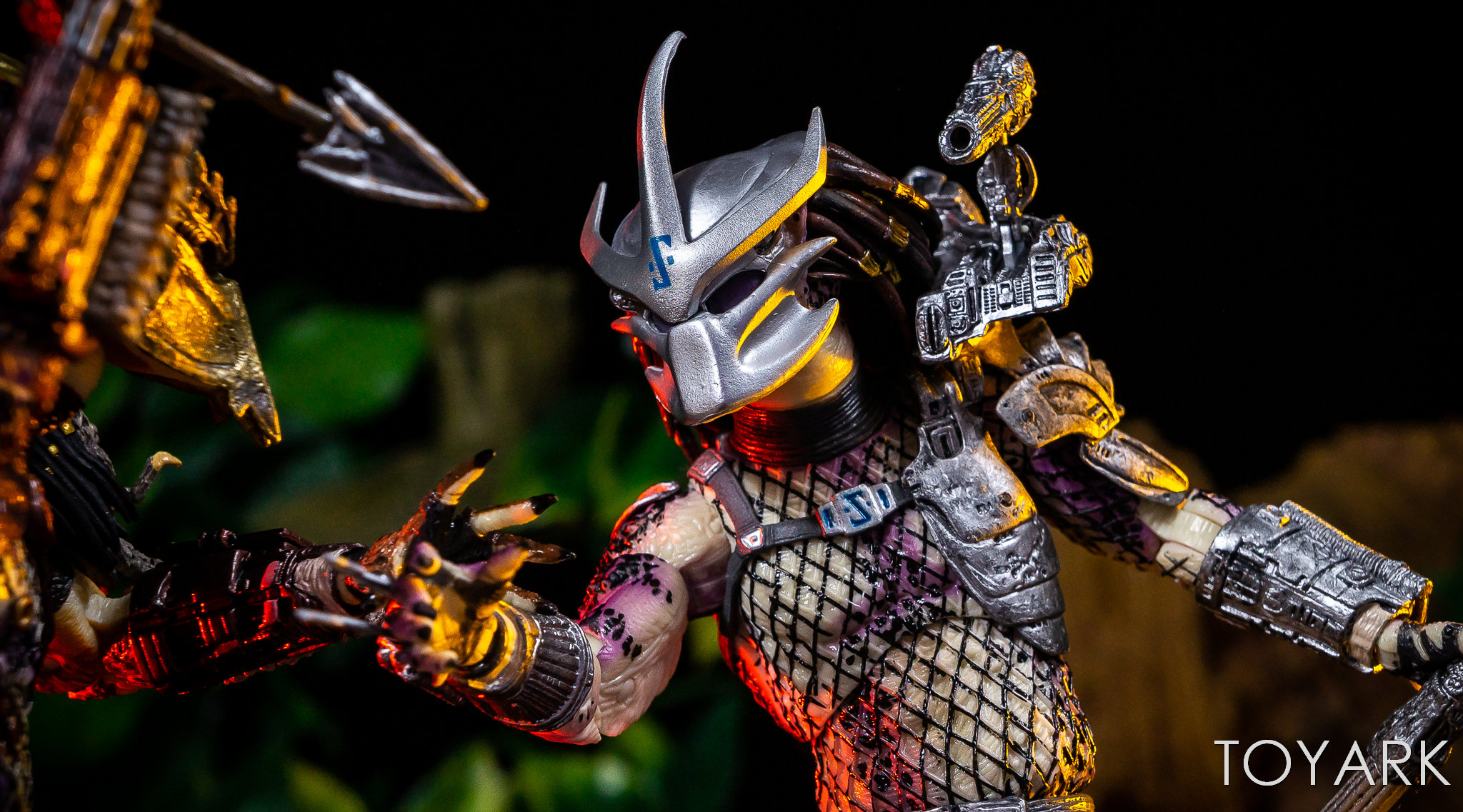 https://news.toyark.com/wp-content/uploads/sites/4/2019/01/NECA-Bad-Blood-vs-Enforcer-054.jpg