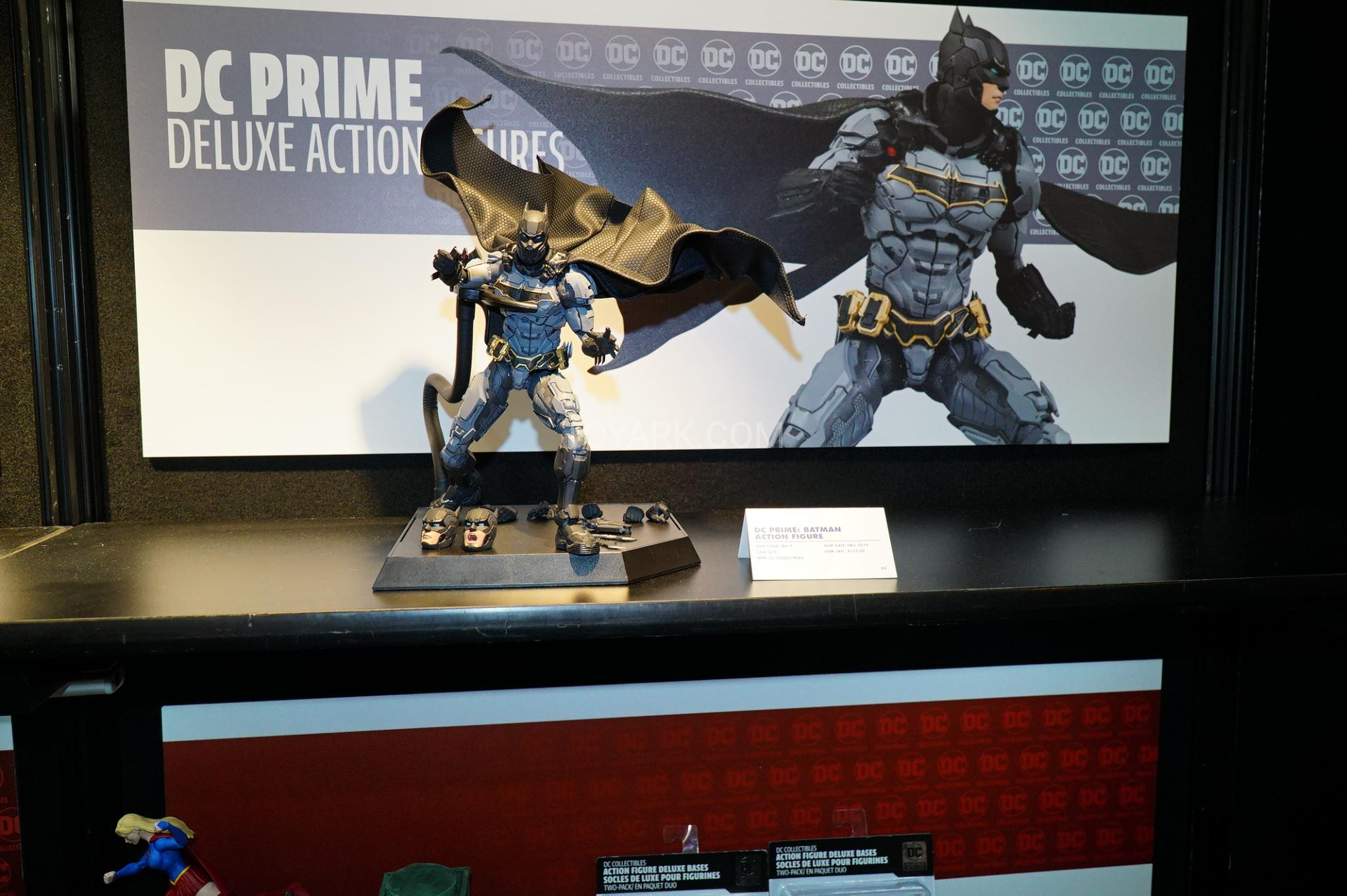 DC Collectibles Deluxe Action Figure Bases Pack of 2