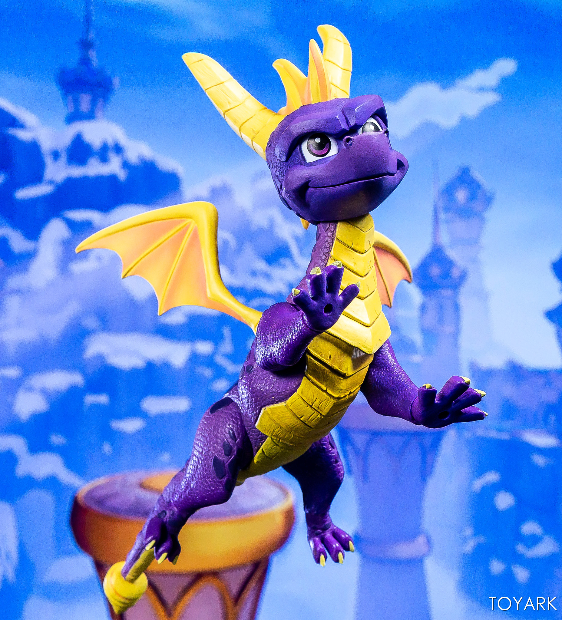 https://news.toyark.com/wp-content/uploads/sites/4/2019/03/NECA-Spyro-The-Dragon-Figure-017.jpg
