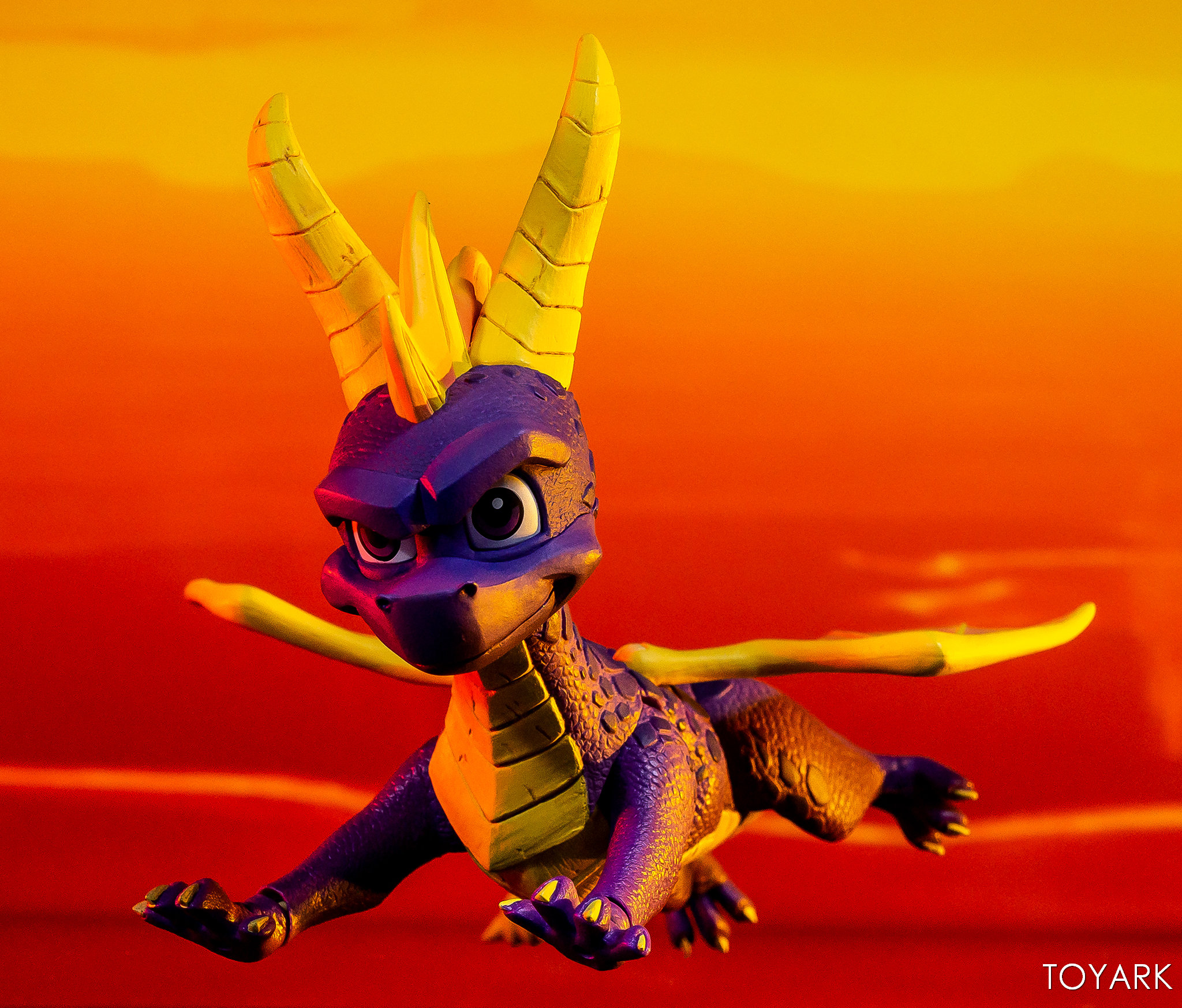 https://news.toyark.com/wp-content/uploads/sites/4/2019/03/NECA-Spyro-The-Dragon-Figure-021.jpg