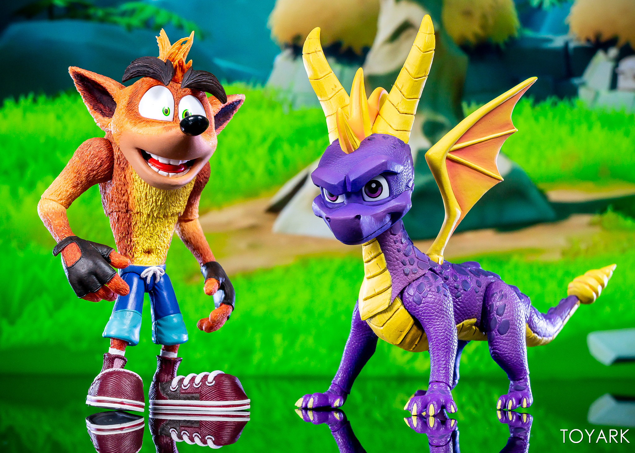 https://news.toyark.com/wp-content/uploads/sites/4/2019/03/NECA-Spyro-The-Dragon-Figure-022.jpg