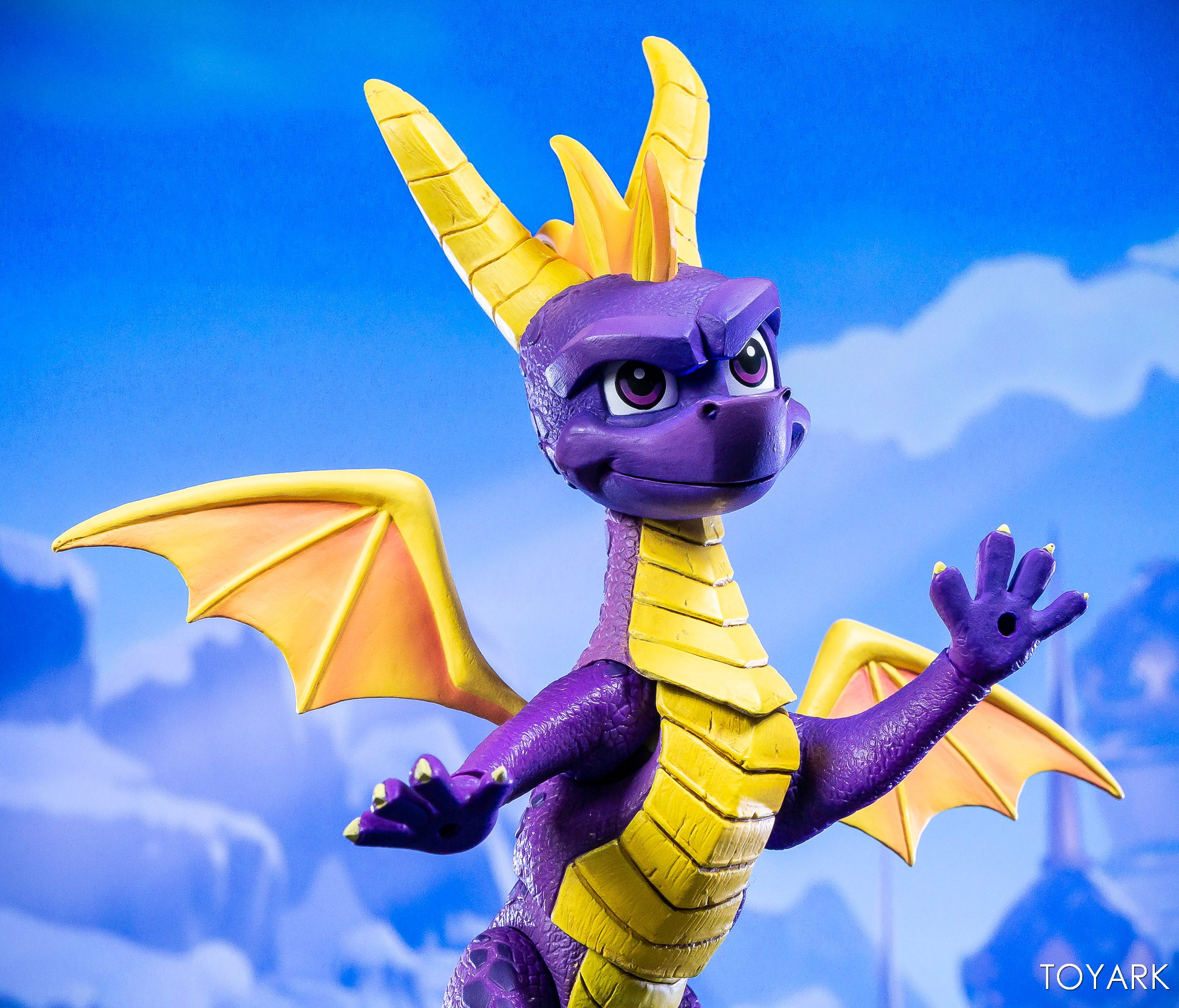 https://news.toyark.com/wp-content/uploads/sites/4/2019/03/NECA-Spyro-The-Dragon-Figure-026.jpg