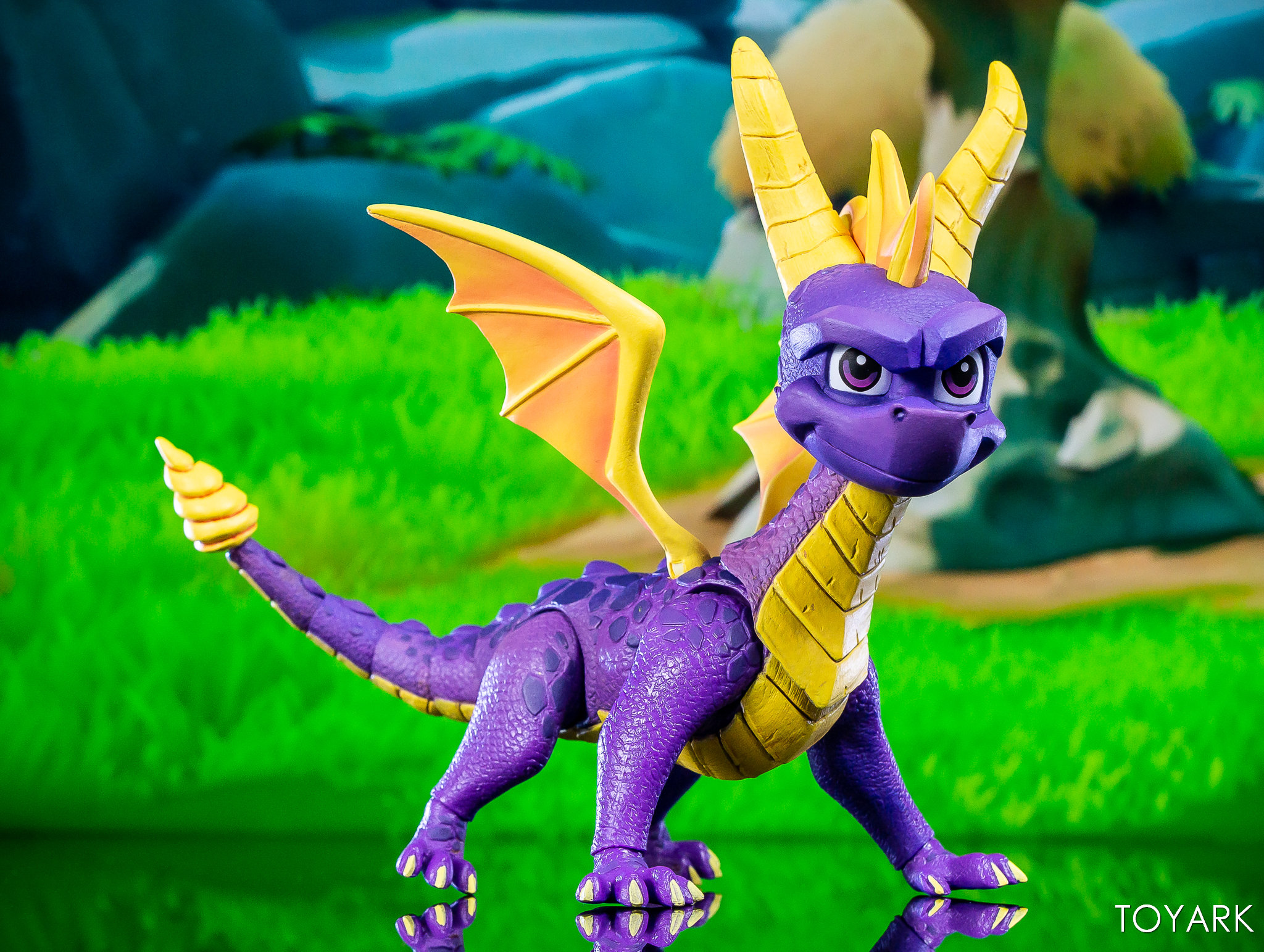 https://news.toyark.com/wp-content/uploads/sites/4/2019/03/NECA-Spyro-The-Dragon-Figure-027.jpg