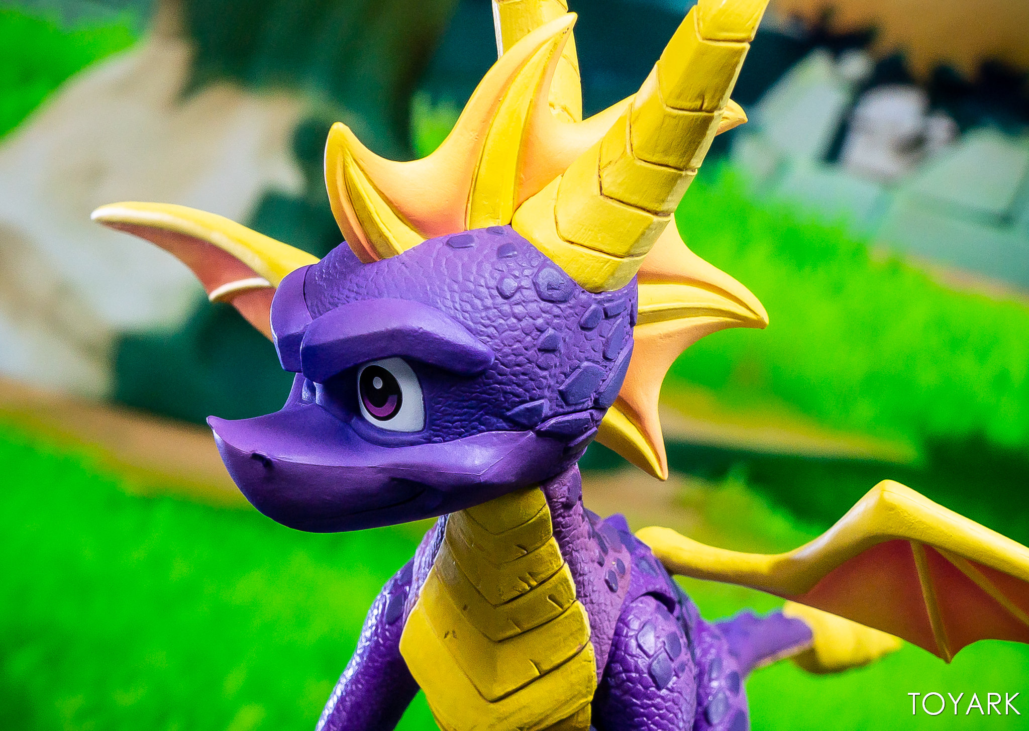 https://news.toyark.com/wp-content/uploads/sites/4/2019/03/NECA-Spyro-The-Dragon-Figure-033.jpg