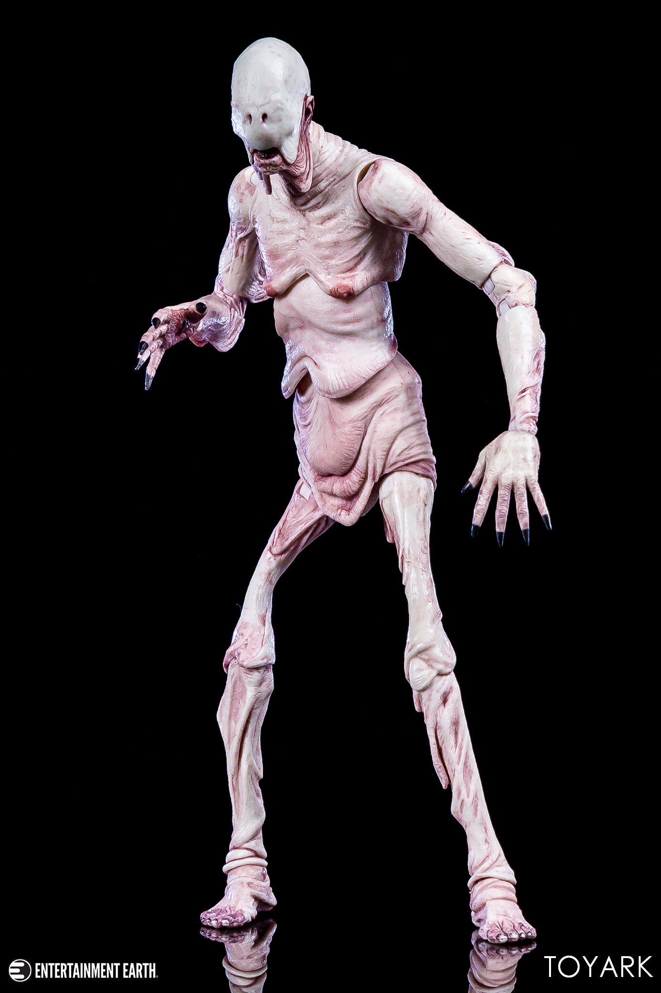 https://news.toyark.com/wp-content/uploads/sites/4/2019/03/Pale-Man-NECA-018.jpg