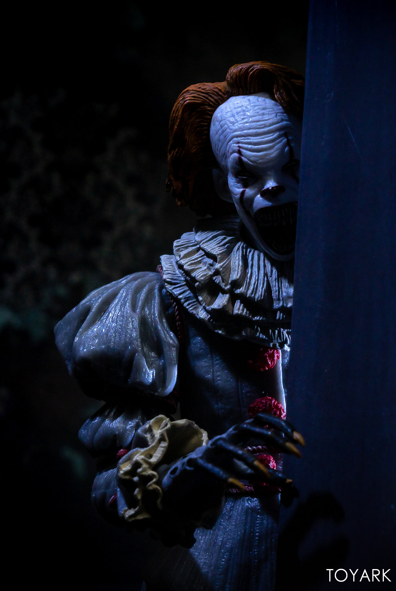https://news.toyark.com/wp-content/uploads/sites/4/2019/03/Well-House-Pennywise-Gallery-038.jpg