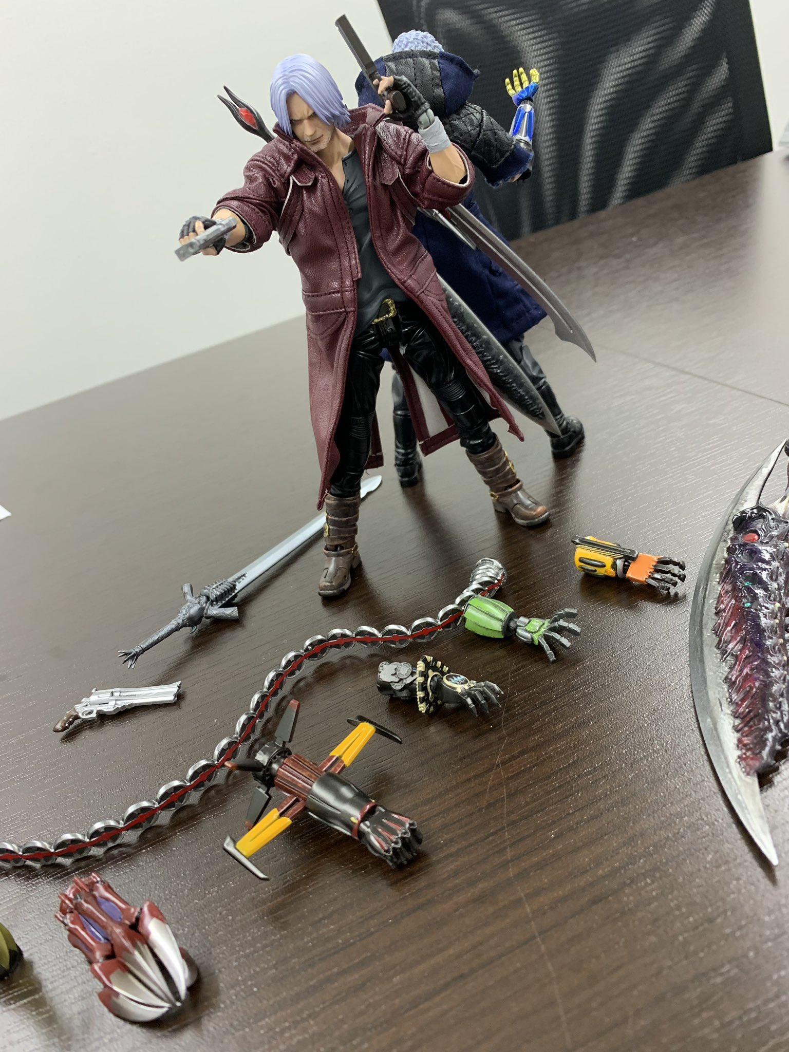 New Preview Of The Devil May Cry 5 Figures By Sentinel