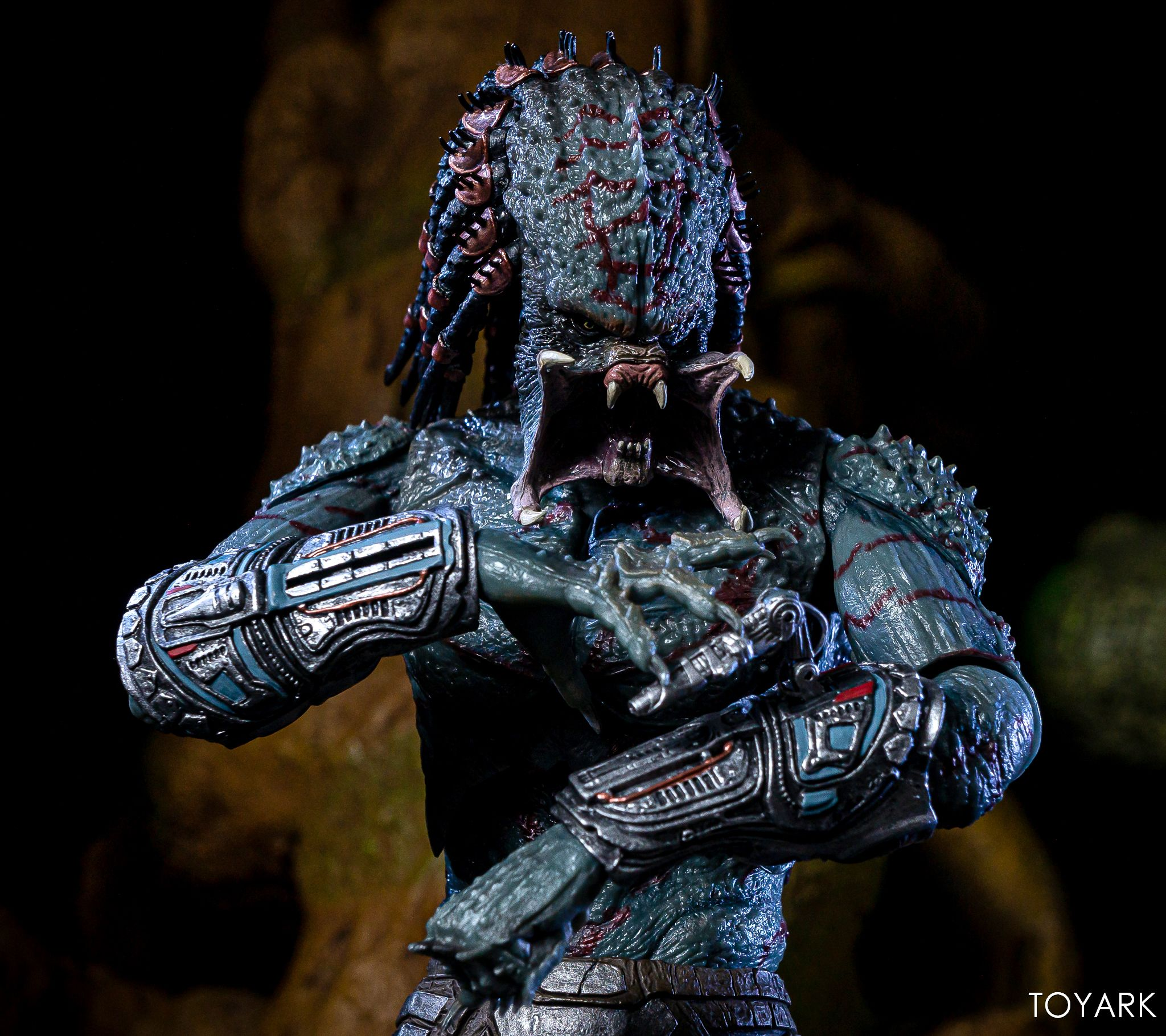 https://news.toyark.com/wp-content/uploads/sites/4/2019/05/Armored-Assassin-Predator-030.jpg
