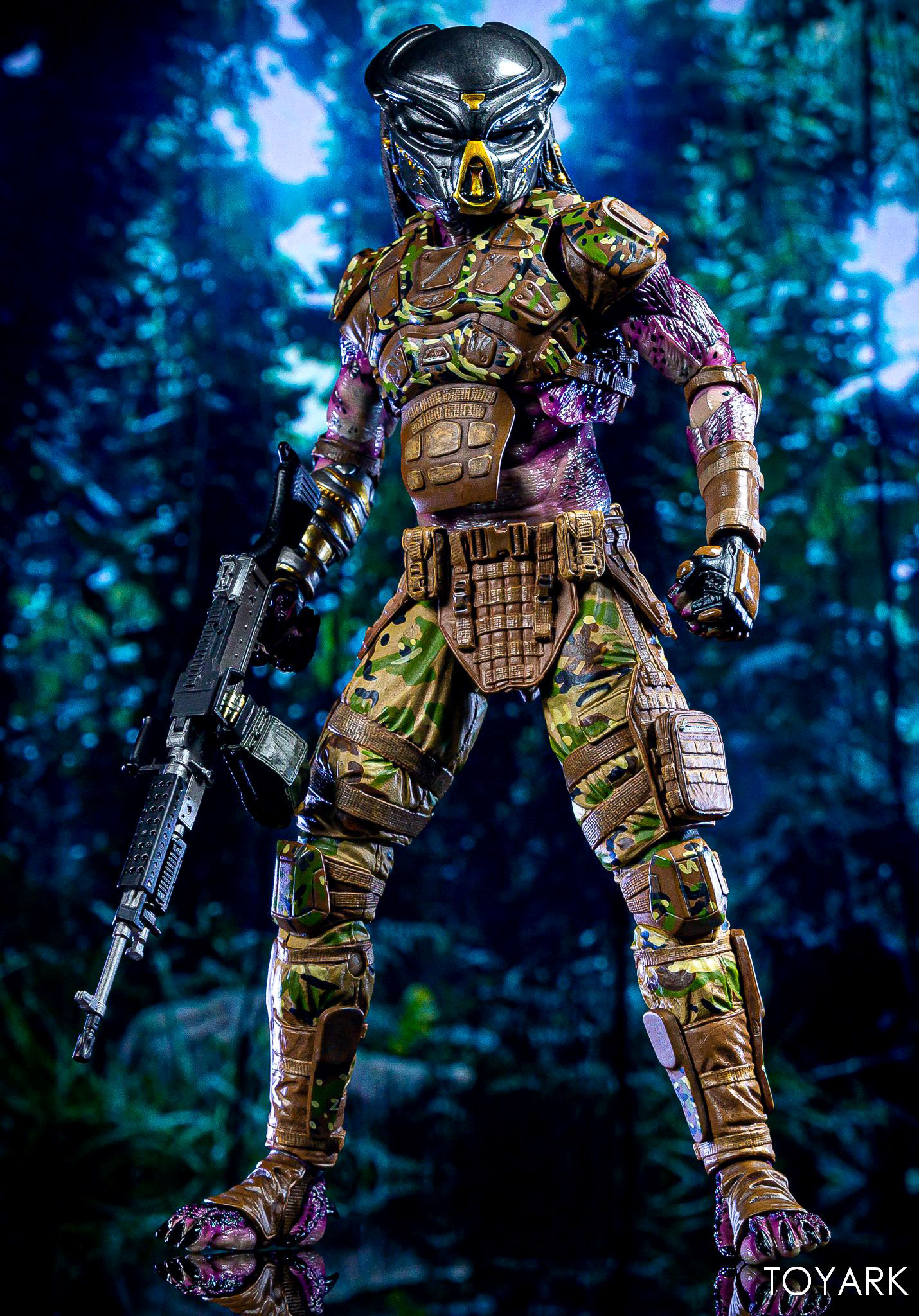 https://news.toyark.com/wp-content/uploads/sites/4/2019/05/Emissary-Predator-1-NECA-Figure-014.jpg