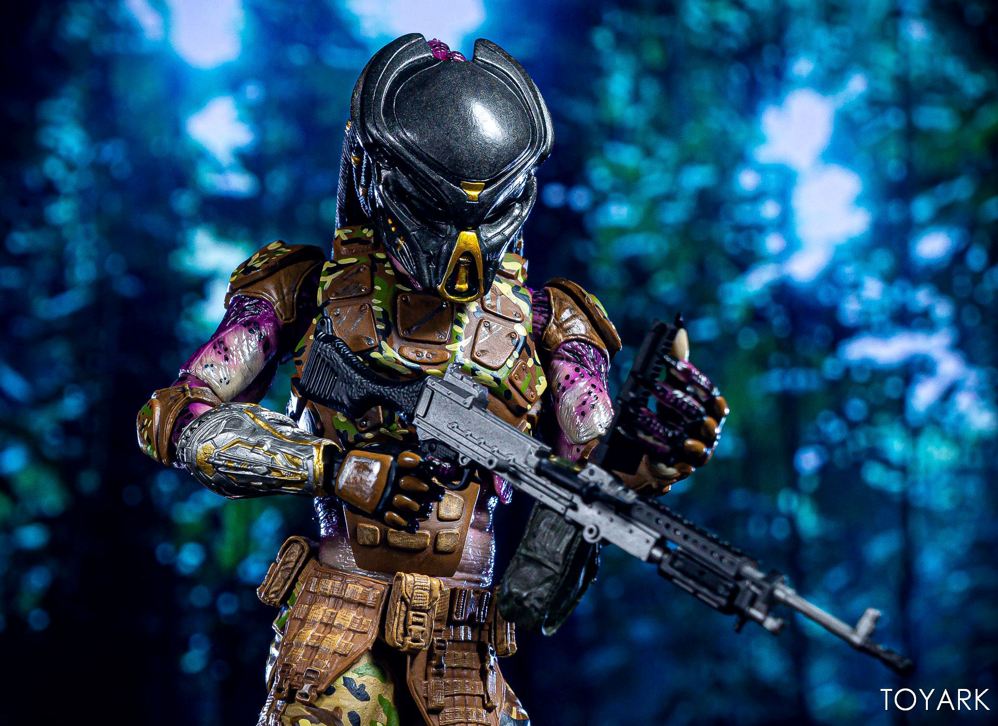 https://news.toyark.com/wp-content/uploads/sites/4/2019/05/Emissary-Predator-1-NECA-Figure-016.jpg