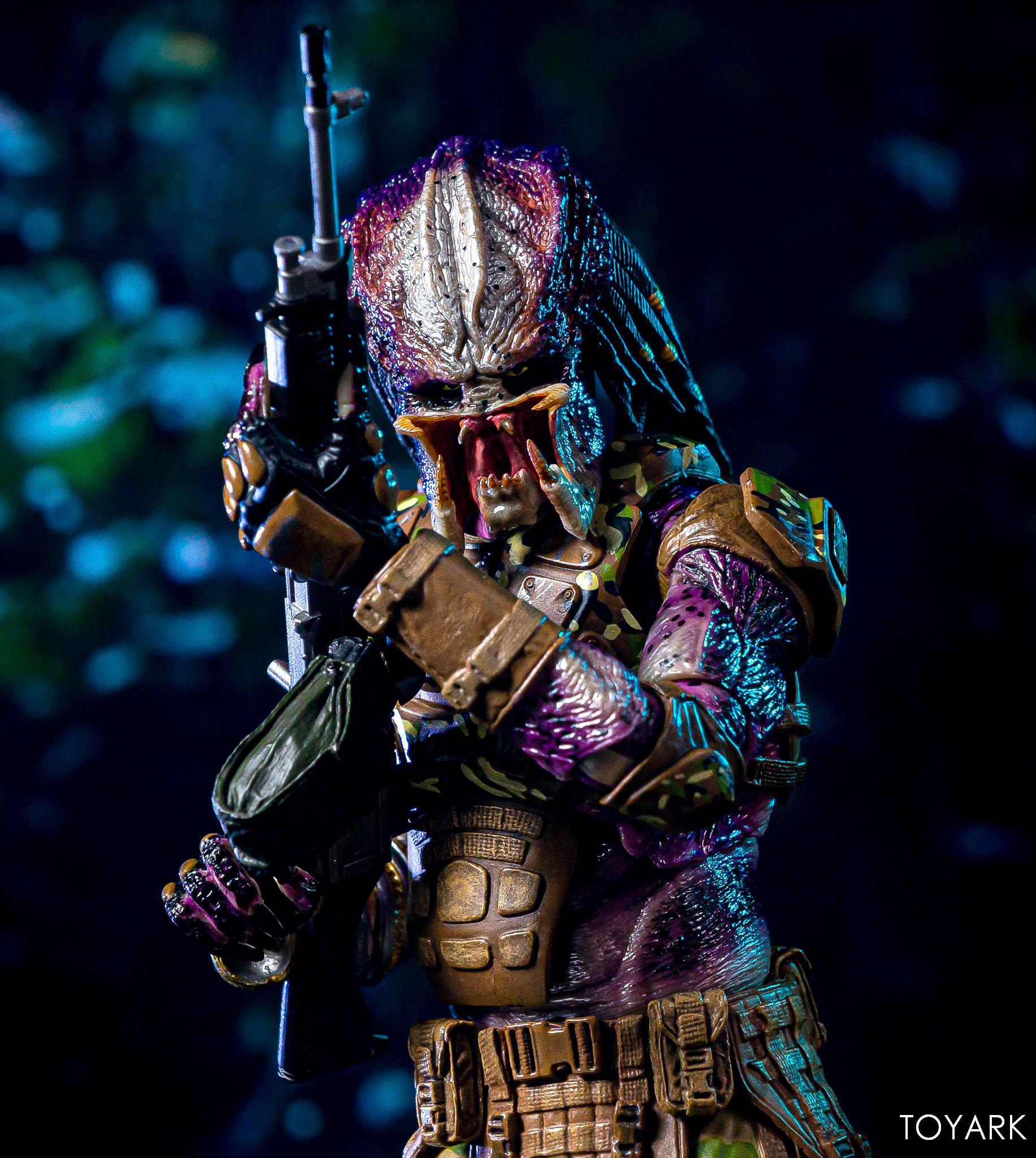 https://news.toyark.com/wp-content/uploads/sites/4/2019/05/Emissary-Predator-1-NECA-Figure-020.jpg