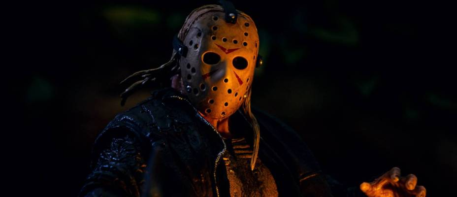 Friday The 13th 2009 - Ultimate Jason Voorhees by NECA - Toyark Photo Shoot