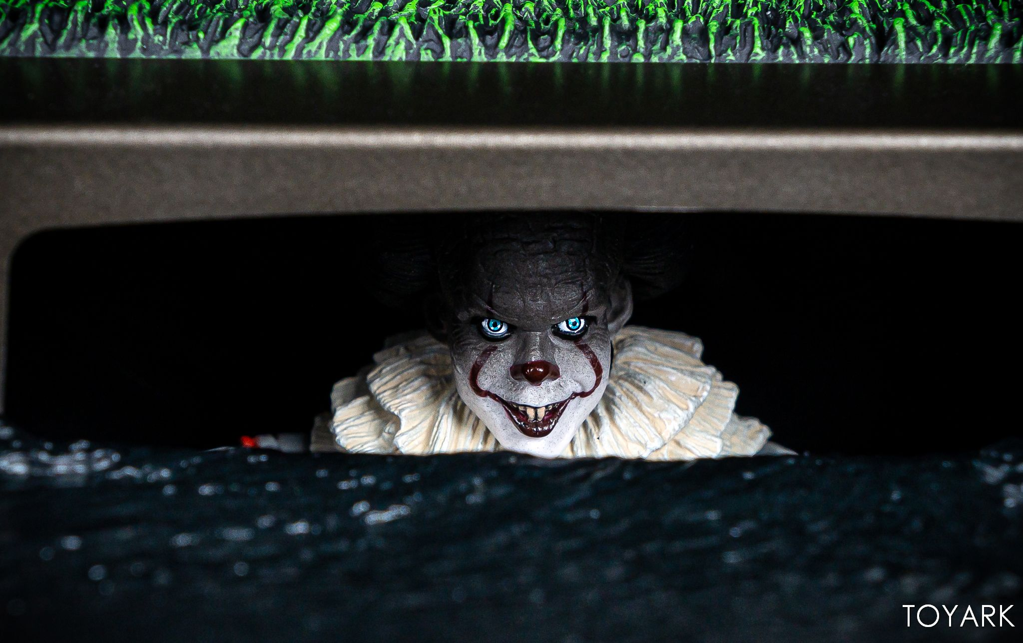 https://news.toyark.com/wp-content/uploads/sites/4/2019/05/NECA-Pennywise-Accessory-Set-013.jpg