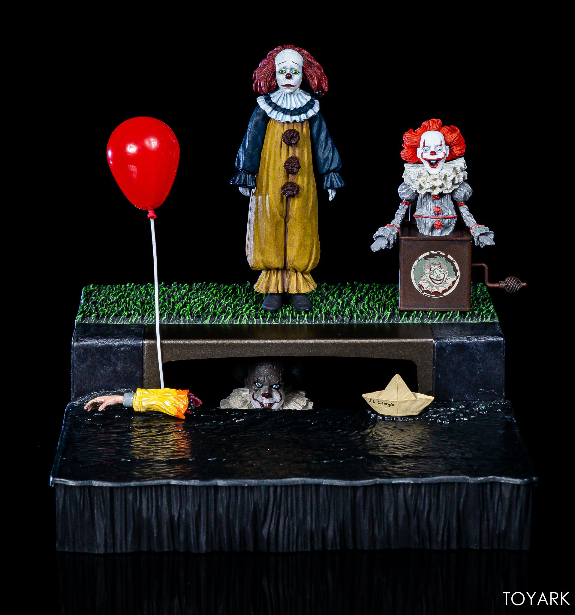 https://news.toyark.com/wp-content/uploads/sites/4/2019/05/NECA-Pennywise-Accessory-Set-035.jpg