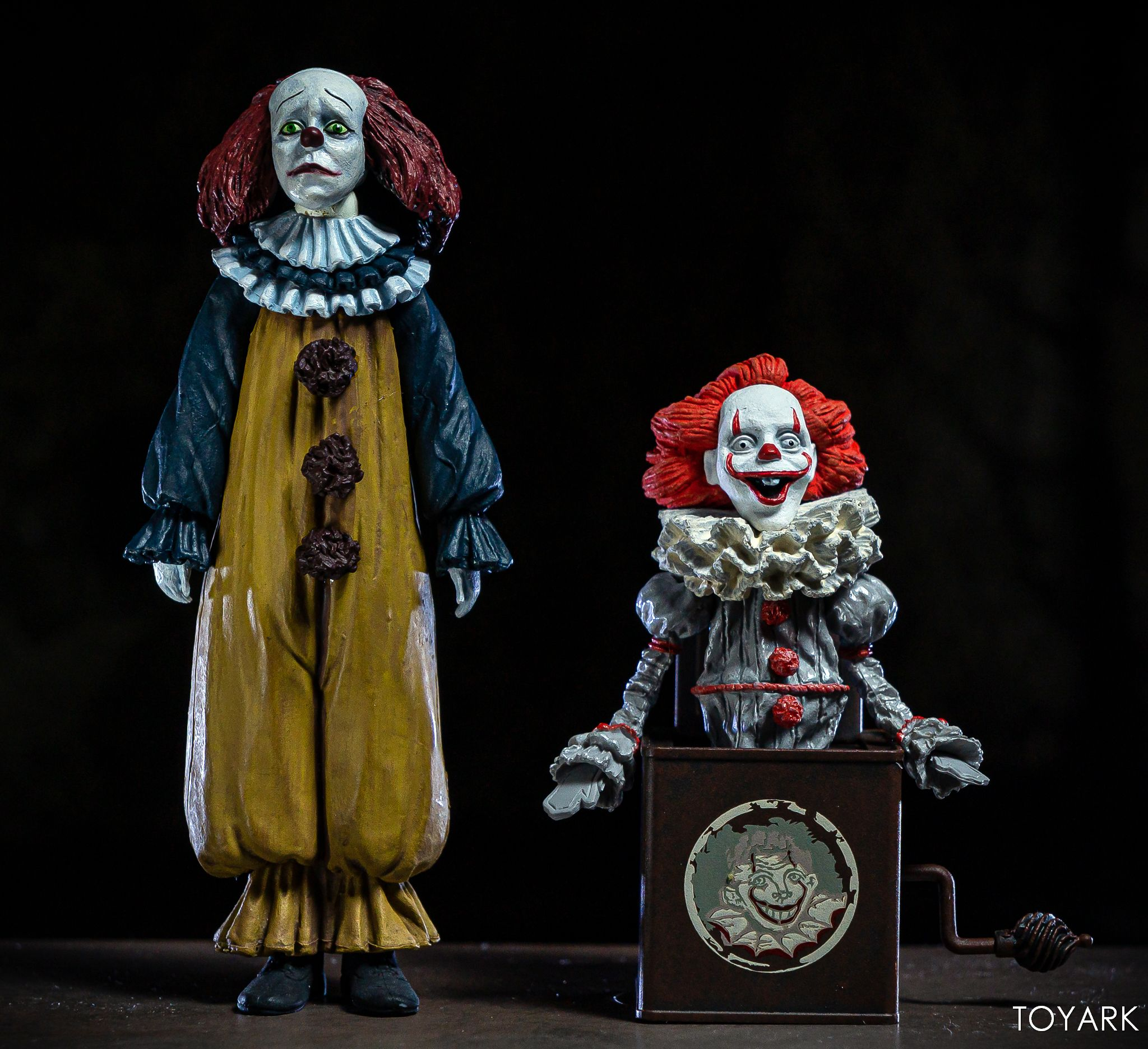 https://news.toyark.com/wp-content/uploads/sites/4/2019/05/NECA-Pennywise-Accessory-Set-041.jpg