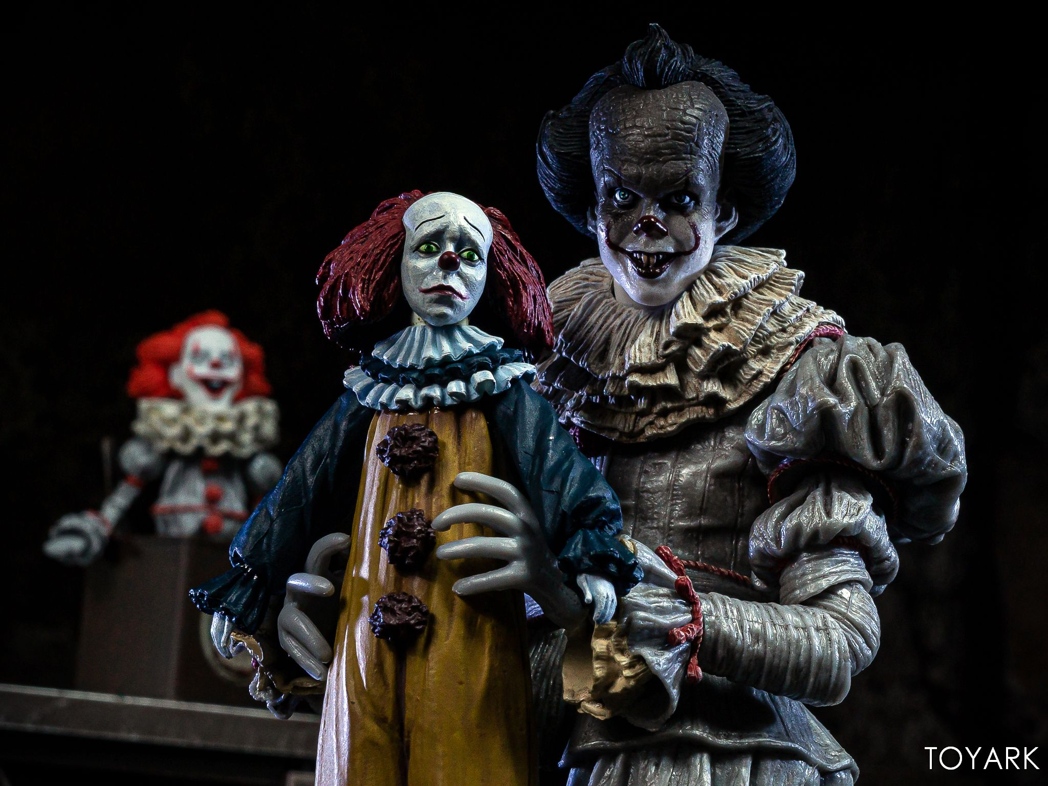 https://news.toyark.com/wp-content/uploads/sites/4/2019/05/NECA-Pennywise-Accessory-Set-046.jpg