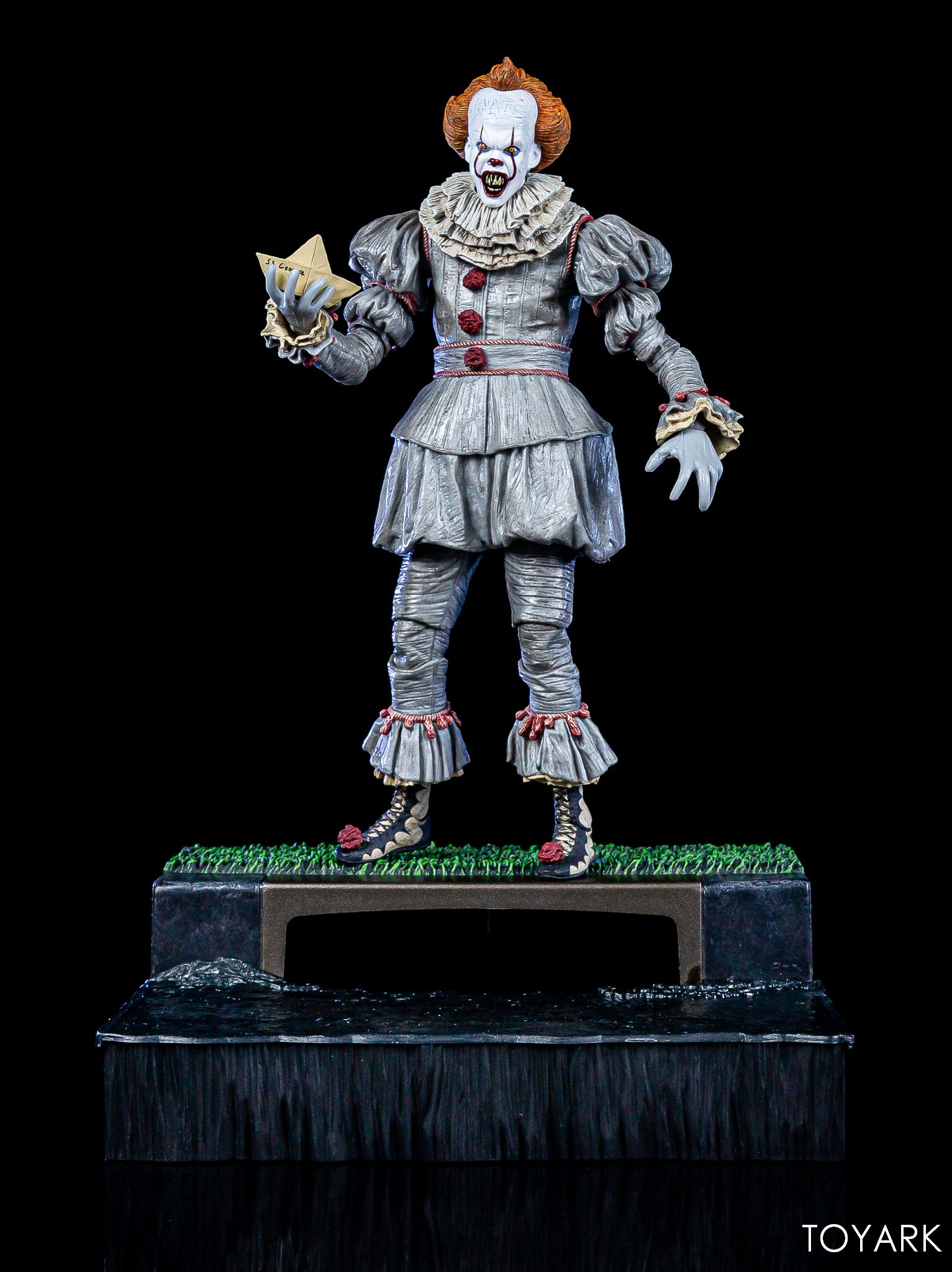 https://news.toyark.com/wp-content/uploads/sites/4/2019/05/NECA-Pennywise-Accessory-Set-047.jpg