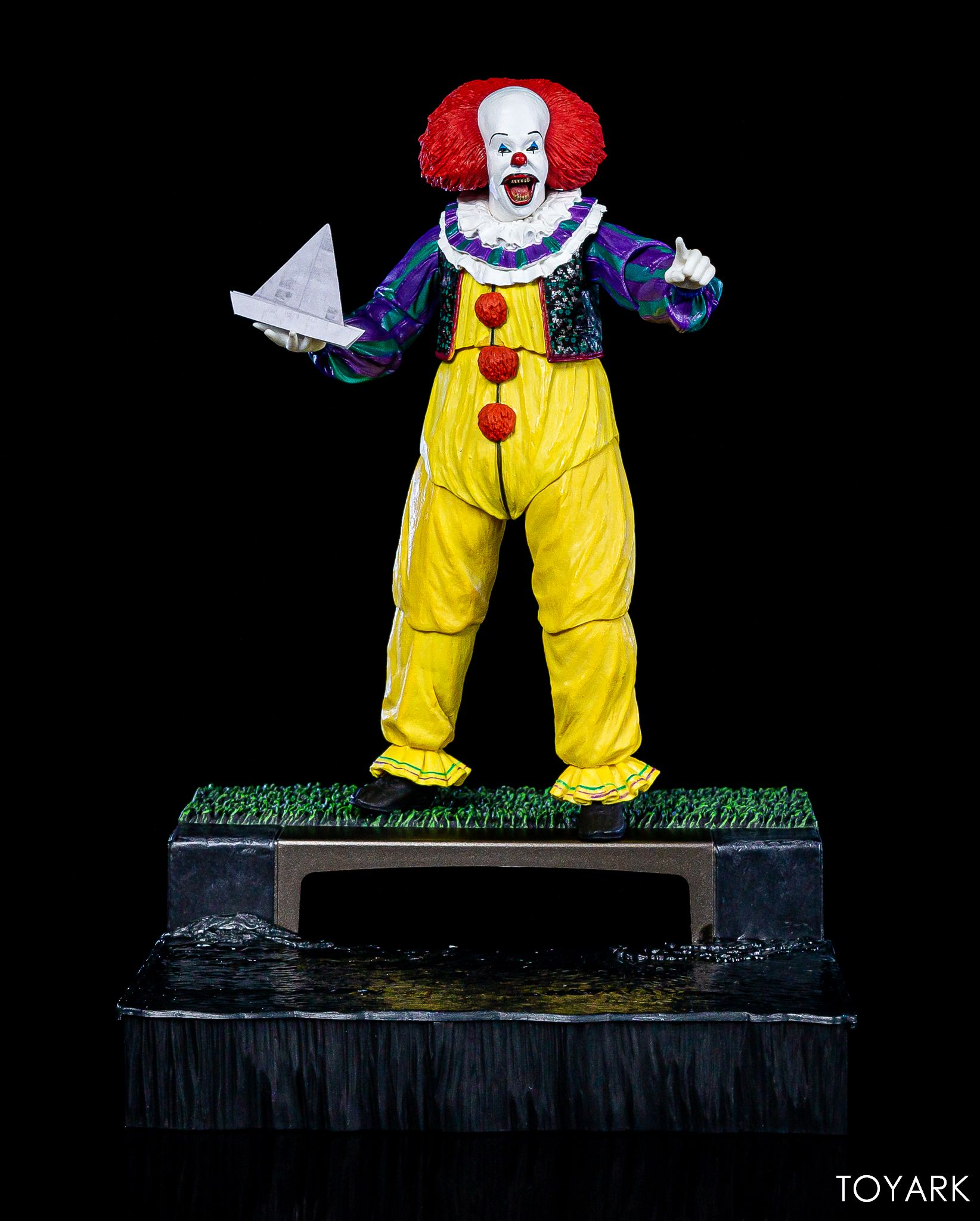 https://news.toyark.com/wp-content/uploads/sites/4/2019/05/NECA-Pennywise-Accessory-Set-049.jpg