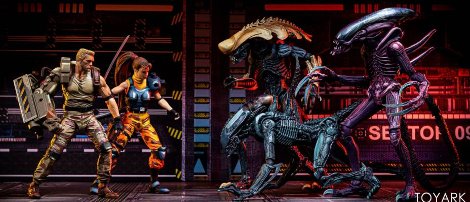 Alien vs Predator Arcade - Aliens Assortment and Dutch and Linn 2-Pack - Toyark Photo Shoot