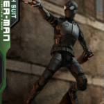 Hot Toys Stealth Suit Spider Man 005