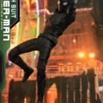 Hot Toys Stealth Suit Spider Man 011