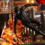 Hot Toys Stealth Suit Spider Man Deluxe 001