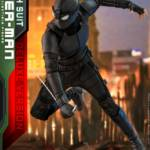Hot Toys Stealth Suit Spider Man Deluxe 012