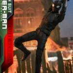 Hot Toys Stealth Suit Spider Man Deluxe 013