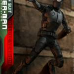 Hot Toys Stealth Suit Spider Man Deluxe 014