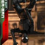 Hot Toys Stealth Suit Spider Man Deluxe 015