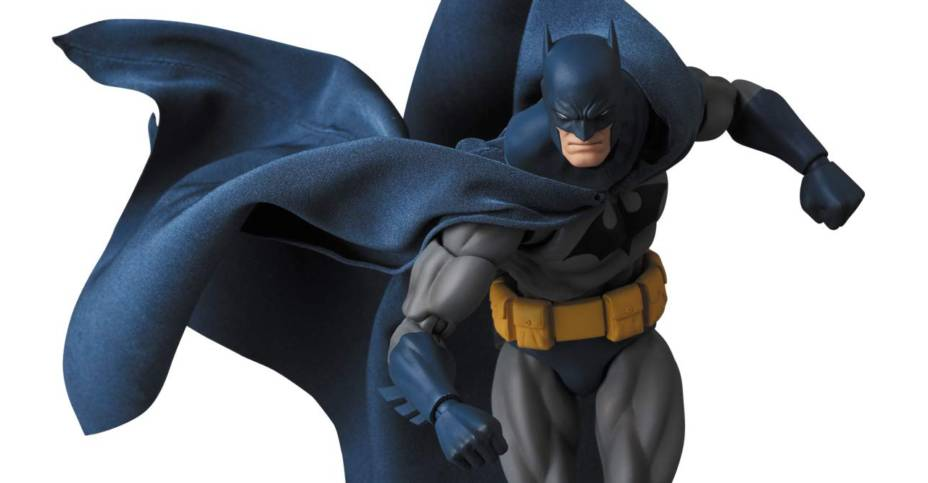 MAFEX Hush Batman 008