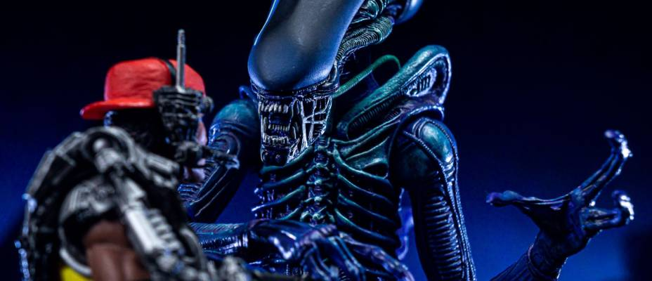 NECA Alien Club Exclusive - Kenner Tribute Purple Alien Warrior - Toyark Exclusive First Look
