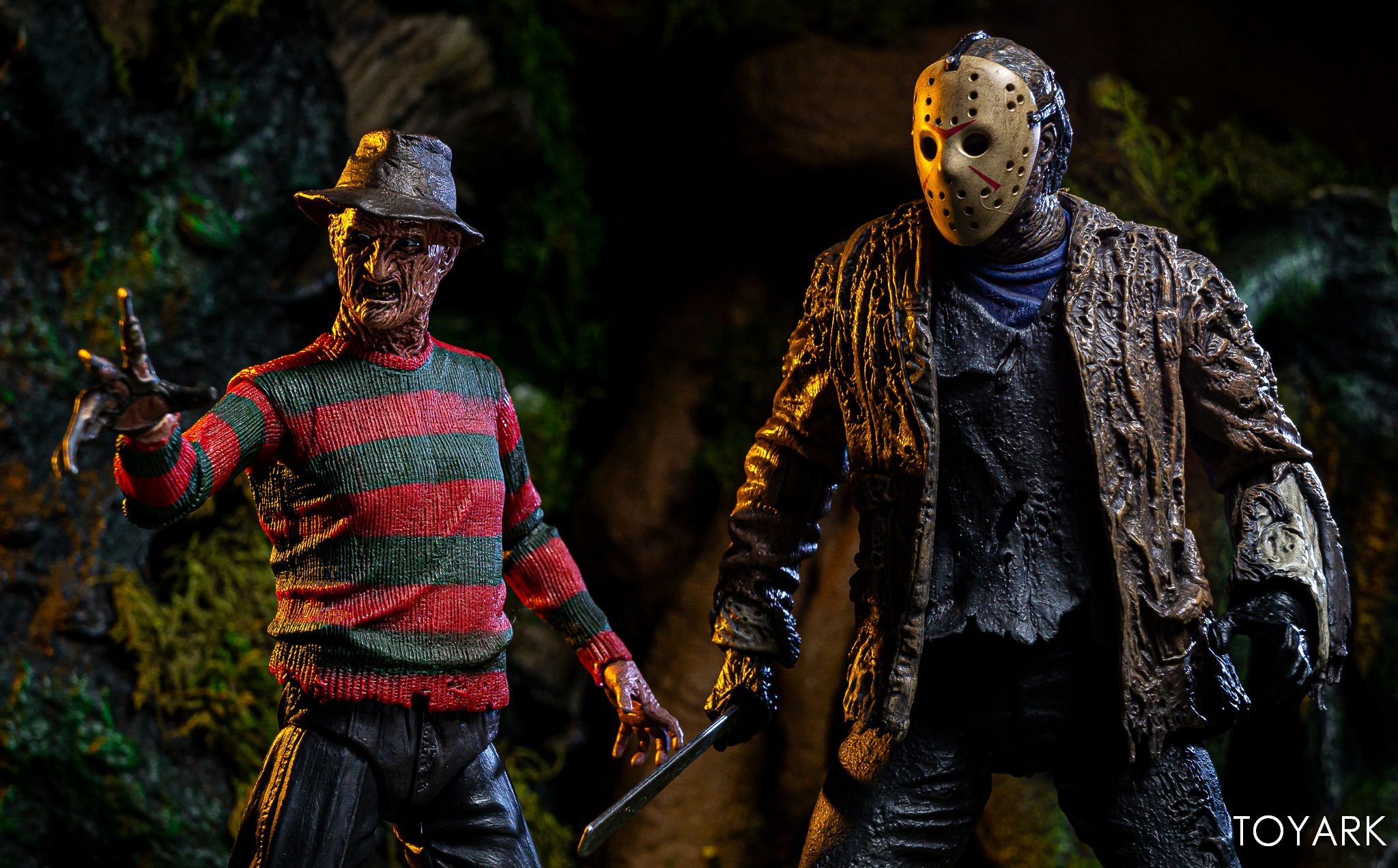 https://news.toyark.com/wp-content/uploads/sites/4/2019/07/FvJ-Jason-Voorhees-NECA-034.jpg