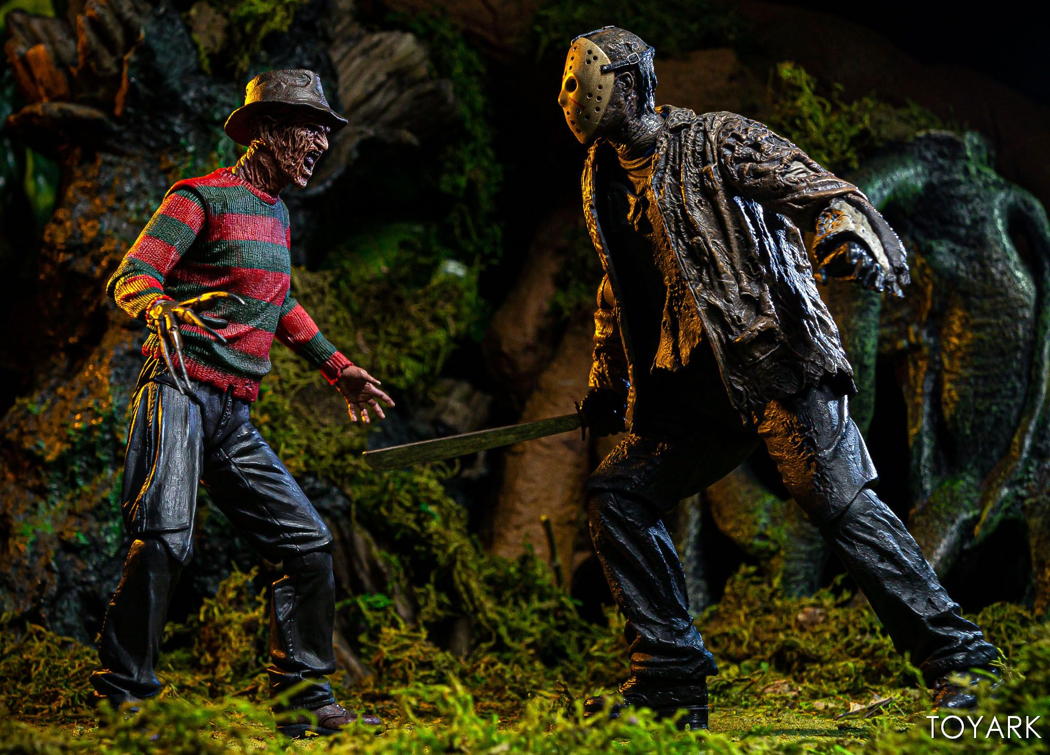 https://news.toyark.com/wp-content/uploads/sites/4/2019/07/FvJ-Jason-Voorhees-NECA-035.jpg