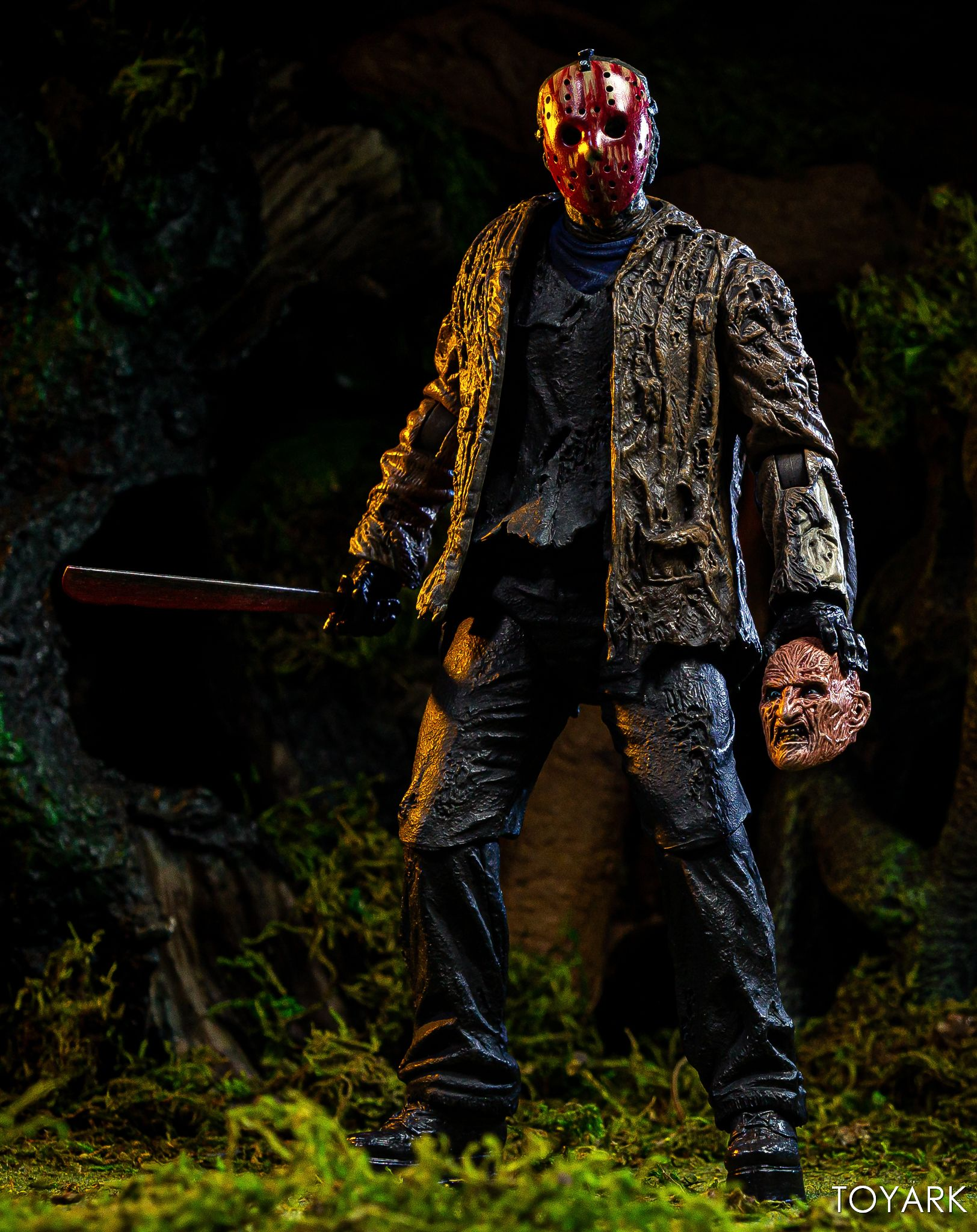 https://news.toyark.com/wp-content/uploads/sites/4/2019/07/FvJ-Jason-Voorhees-NECA-040.jpg