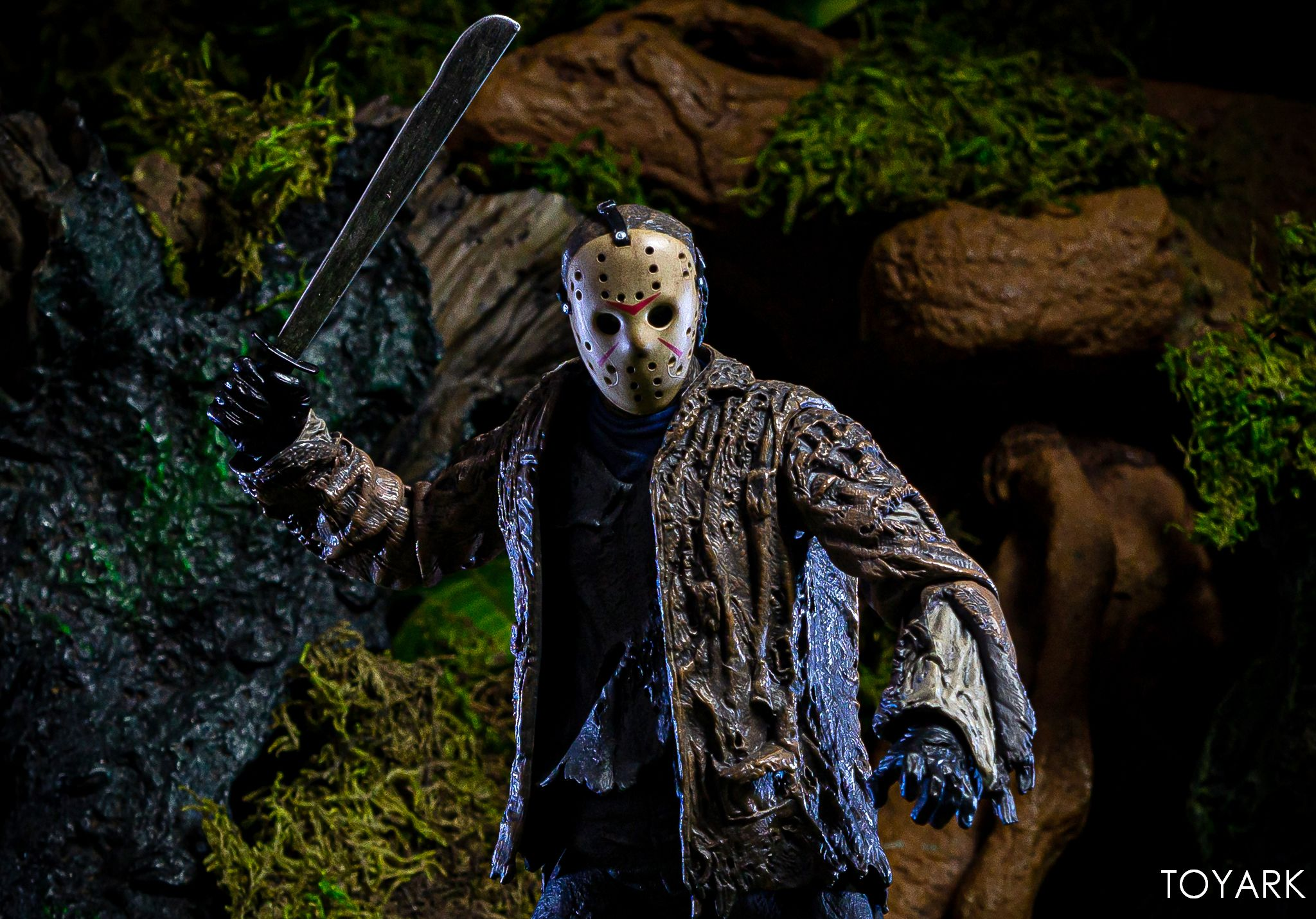 https://news.toyark.com/wp-content/uploads/sites/4/2019/07/FvJ-Jason-Voorhees-NECA-043.jpg