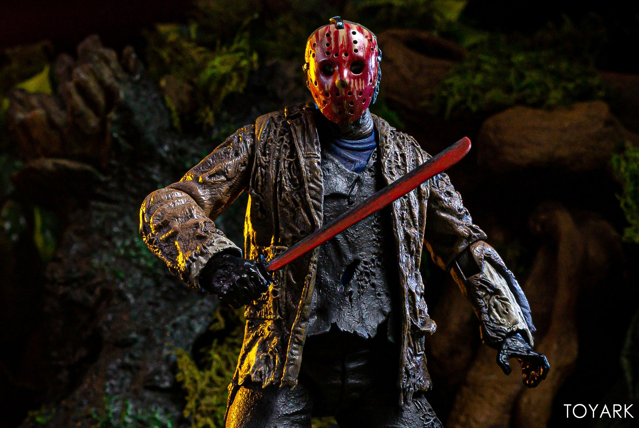 https://news.toyark.com/wp-content/uploads/sites/4/2019/07/FvJ-Jason-Voorhees-NECA-044.jpg