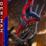 Homecoming Quarter Scale Spider Man DLX 015