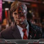 Hot Toys TDK Two Face 001