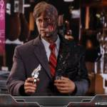 Hot Toys TDK Two Face 002