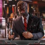 Hot Toys TDK Two Face 008
