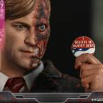 Hot Toys TDK Two Face 011