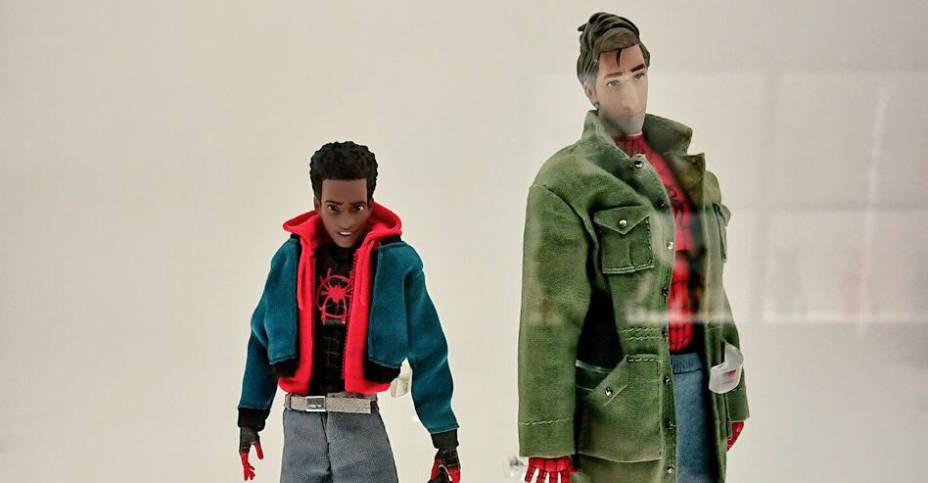MAFEX Into the Spider Verse 1