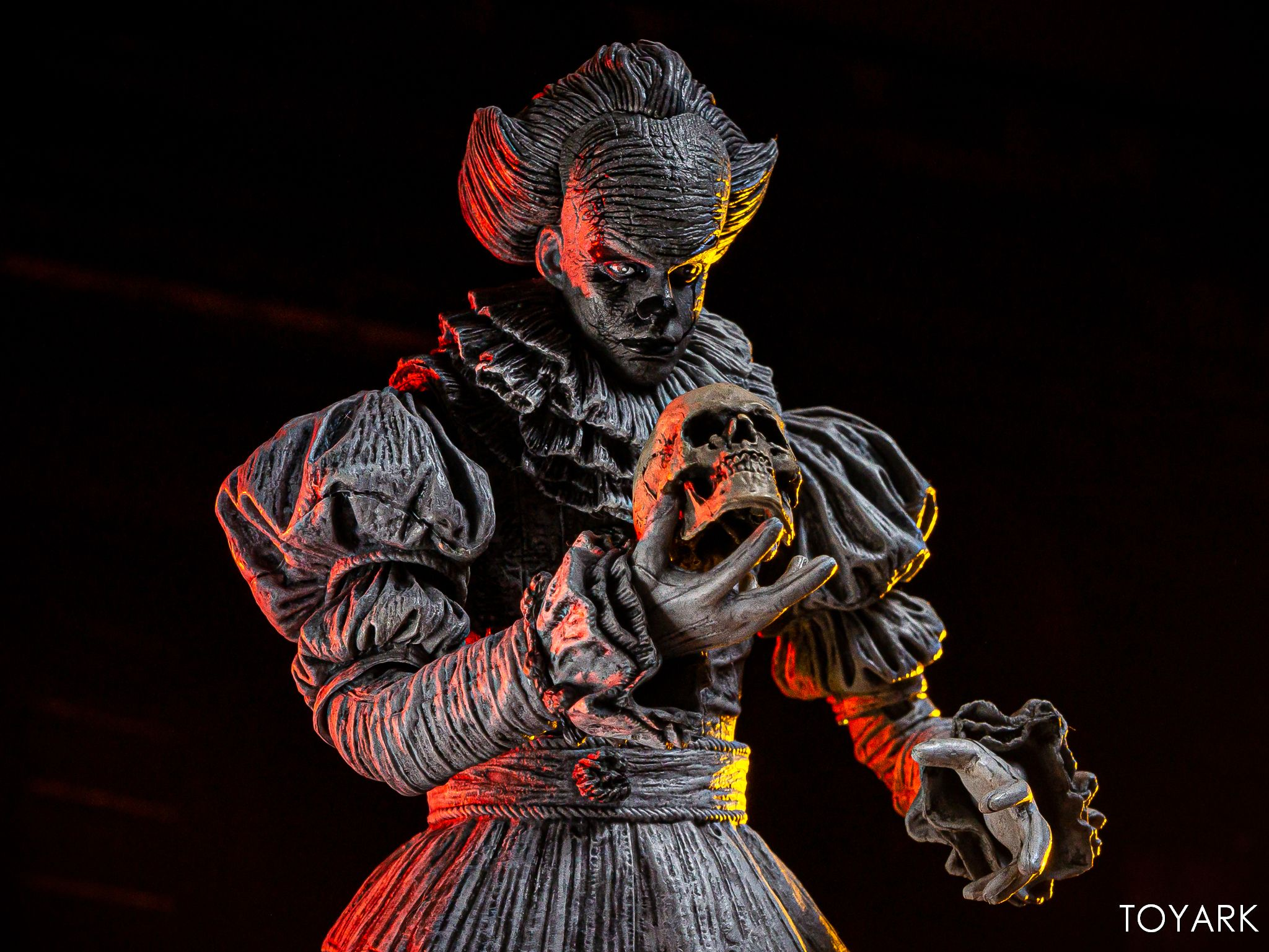 https://news.toyark.com/wp-content/uploads/sites/4/2019/07/SDCC-2019-Etched-Pennywise-NECA-023.jpg